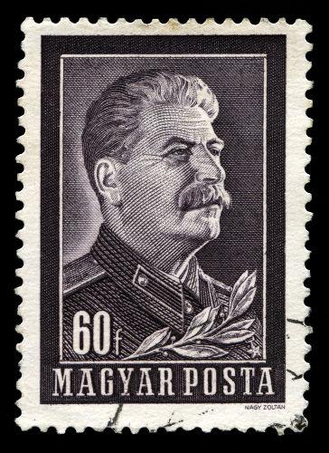 Stalin faleceu em 5 de março de 1953, vítima de um derrame cerebral.[3]
