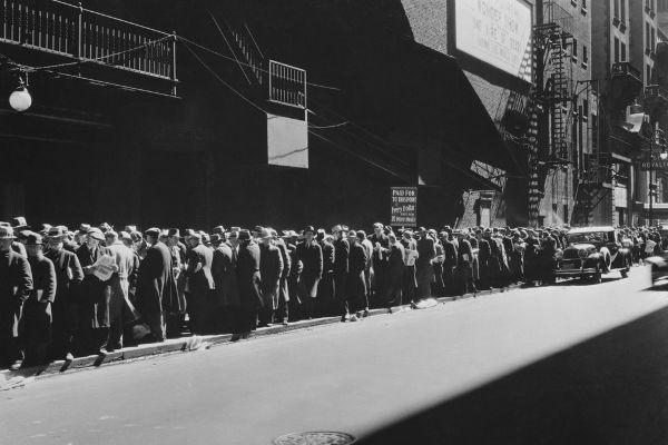A Crise de 1929 foi a pior crise econômica da história do capitalismo. [1]