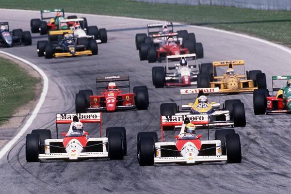 Prost e Senna duelam para primeira posição no GP de Ímola de 1989. [4]