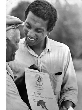Stokely Carmichael, fundador do SNCC e integrante dos Panteras Negras.