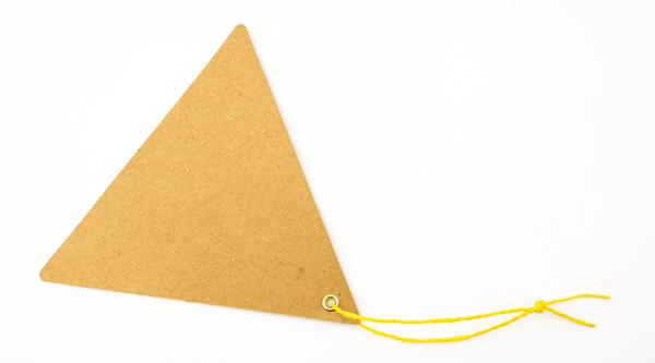 O triângulo equilátero possui todos os lados e ângulos iguais.