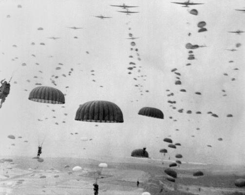 A Segunda Guerra Mundial foi um dos conflitos mais violentos da humanidade e apresentou novas táticas de guerra, como o uso de paraquedistas.