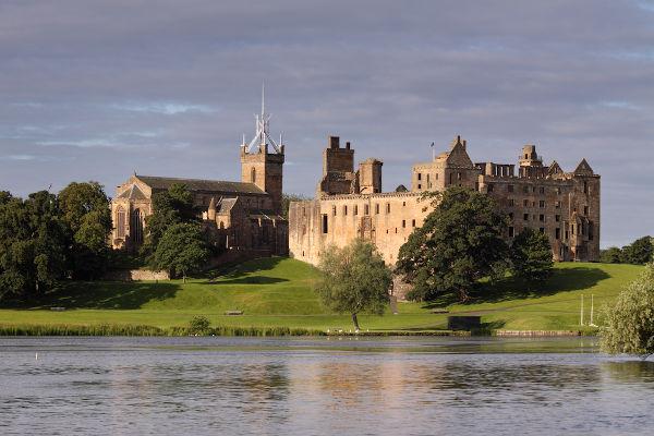 Palácio de Linlithgow, local onde Maria Stuart nasceu, em 1542.