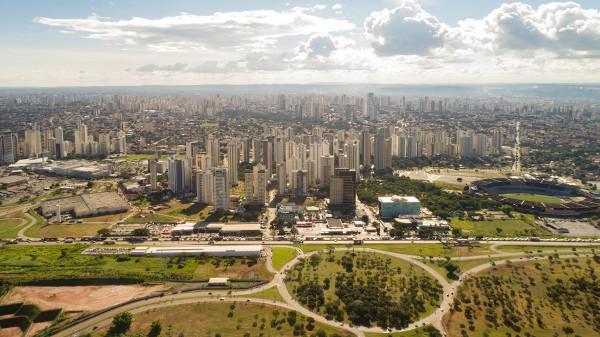 Vista aérea de Goiânia, que possui a principal RM do Centro-Oeste.