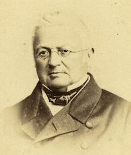 Adolphe Thiers liderou o governo provisório francês em 1871 e buscou um acordo de paz com os prussianos. Esse acordo desencadeou a Comuna de Paris.
