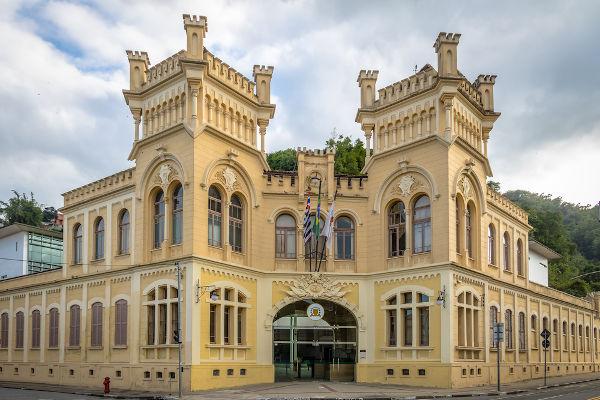 Câmara Municipal de Santos, o local onde os vereadores dessa cidade paulista trabalham.