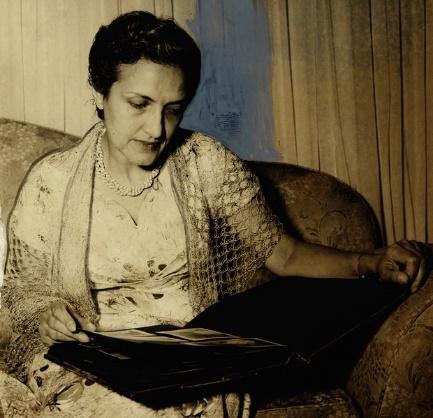 Cecília Meireles é uma poetisa da segunda geração do modernismo brasileiro. |1|