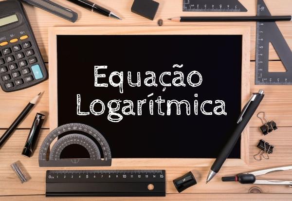 A equação logarítmica é aquela que apresenta logaritmo em um de seus membros.