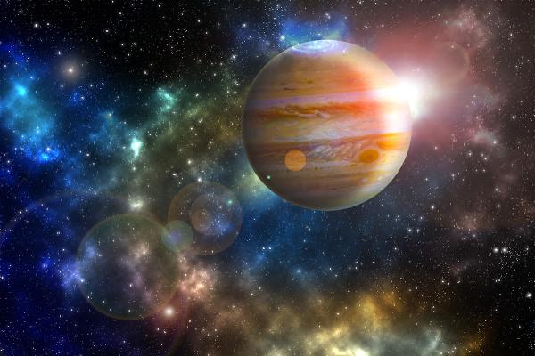 As cores de Júpiter podem ser sinais de grandes tempestades.