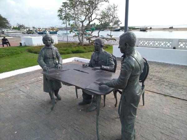 Monumento no Rio de Janeiro faz homenagem a Louis Braille. [1]