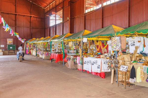 Feira de artesanato no galpão Madeira-Mamoré em Porto Velho, Rondônia. [1]