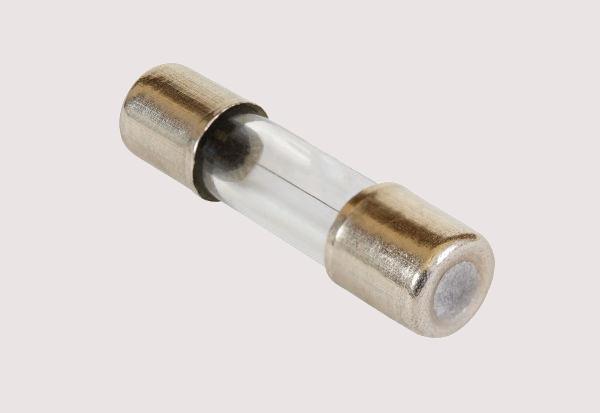 Os fusíveis são dispositivos elétricos de segurança.