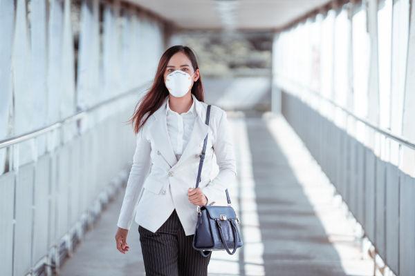A máscara criada por Wu Lien-teh em 1911 serviu como precursora para a criação da máscara PFF2 anos depois.