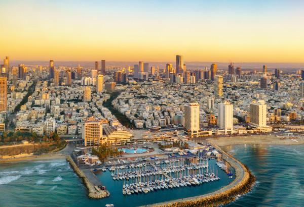 Tel Aviv possui uma das regiões metropolitanas mais populosas de Israel.