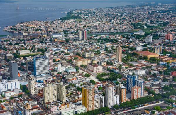 Foto da vista aérea da cidade de Manaus, Amazonas.