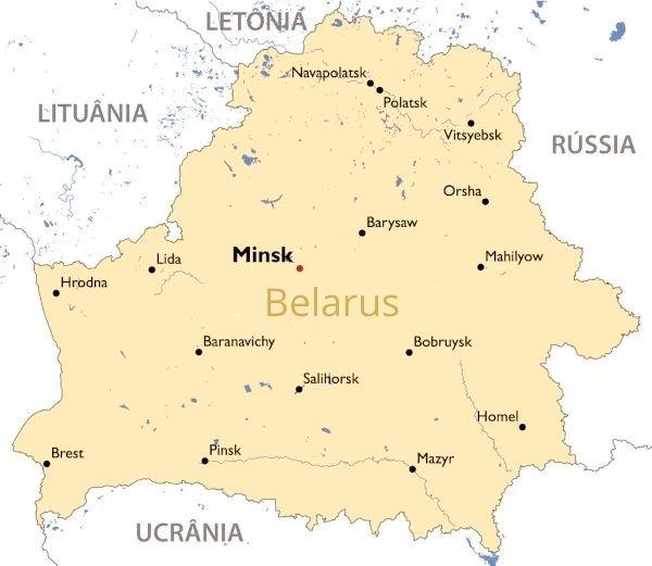 Mapa de Belarus mostra principais cidades do países e os territórios fronteiriços