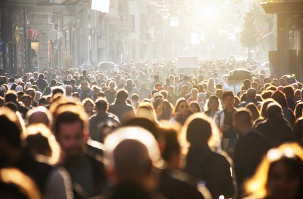 Crescimento populacional diz respeito ao aumento do número de indivíduos em uma população específica. Ele pode ser vegetativo ou absoluto.