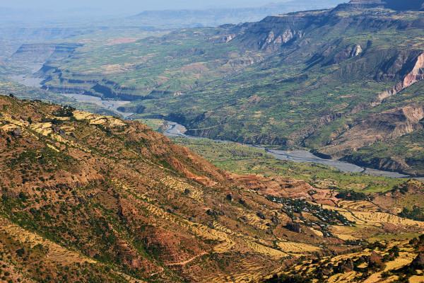 Vista aérea de parte do Vale do Rifte.