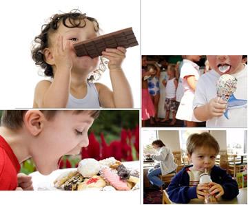 Crianças consumindo alimentos com muito açúcar