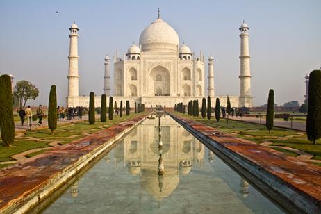 O Taj Mahal, mausoléu localizado na Índia