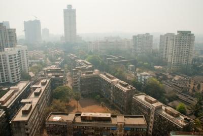 Cidade de Mumbai (Índia), uma das maiores cidades do mundo e com grandes problemas urbanos, sociais e ambientais