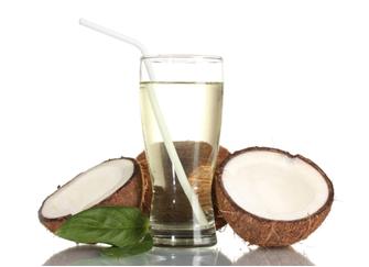 A água de coco é uma bebida isotônica natural