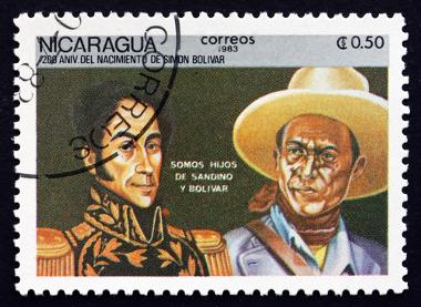 Selo nicaraguense com Simon Bolívar e Augusto Sandino.*