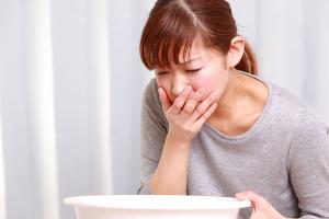 Consumir a manteiga deixada muito tempo fora da geladeira pode causar intoxicação alimentar