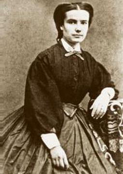 Machado e Carolina foram casados durante trinta e cinco anos. Na ocasião da morte da esposa, o escritor escreveu o poema A Carolina