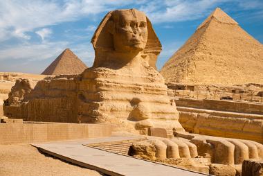 A formação das primeiras civilizações e tudo o que depois surgiu ocorreram nos segundos finais do ano cósmico