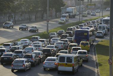 Foto de 2013 registrando o trânsito caótico na cidade do Rio de Janeiro *