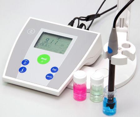 Peagâmetro ou potenciômetro para medir o pH de uma solução