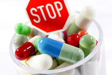 Os medicamentos usados sem orientação médica e em excesso podem levar à dependência