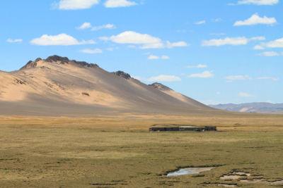 """Imagem do Planalto do Tibete, também chamado de """"teto do mundo"""" em razão de suas elevadas altitudes"""