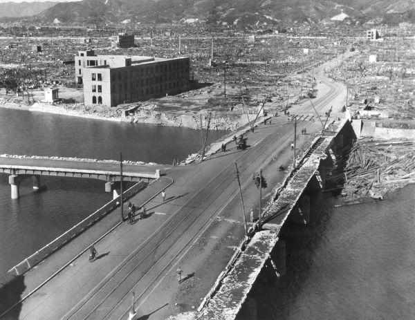 Hiroshima algumas semanas após o bombardeio. Foto de setembro ou outubro de 1945