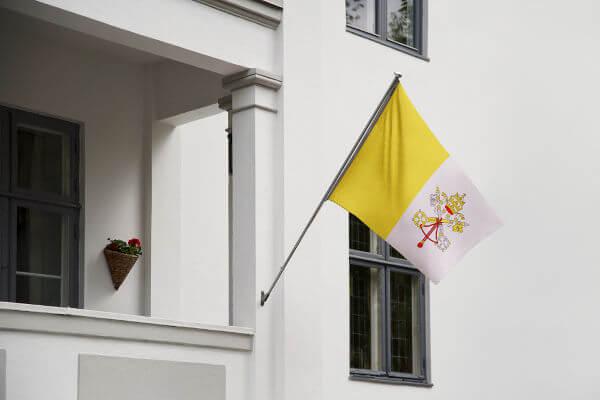 A bandeira do Vaticano é o símbolo que representa o Estado papal criado com o Tratado de Latrão.