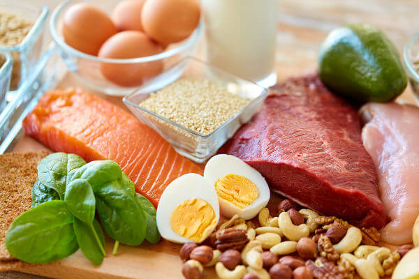 Muitos alimentos possuem proteínas e devem fazer parte da nossa alimentação.