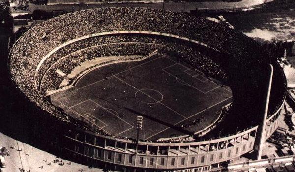 Estádio Presidente Perón, sede da final da primeira Copa América. (Crédito: Domínio Público)