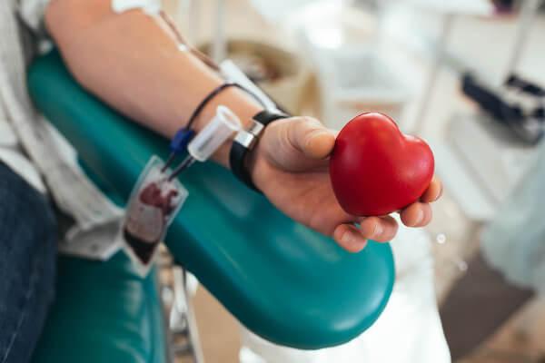 Algumas pessoas apresentam impedimentos temporários à doação de sangue.