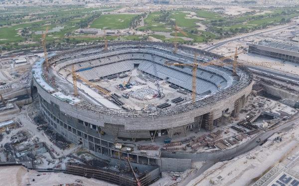 Estádio Education City sendo construído em área universitária. (Crédito: Divulgação)