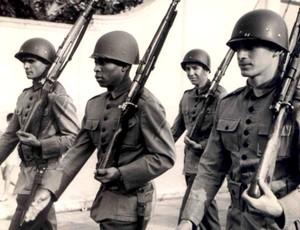 Pelé servindo ao Exército Militar, em 1958.6