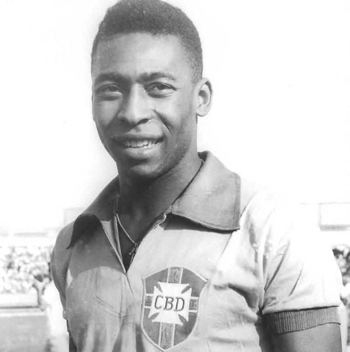 Pelé em seus primeiros anos de carreira atuando pela CBD. [3]