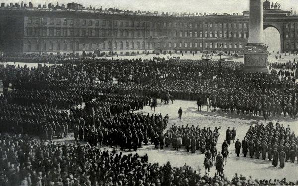 A origem da URSS está diretamente relacionada à Revolução Russa de 1917.