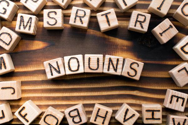 Substantivos são aquelas palavras que representam na língua uma pessoa, um local ou uma coisa.
