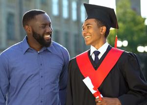 pai com filho formado