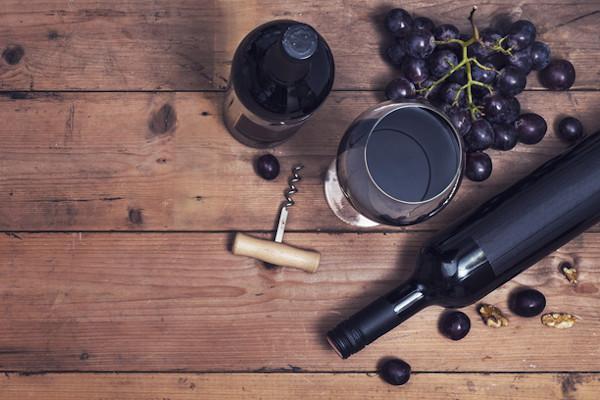 Processo de produção do vinho e controle de qualidade estão entre as áreas estudadas no curso.