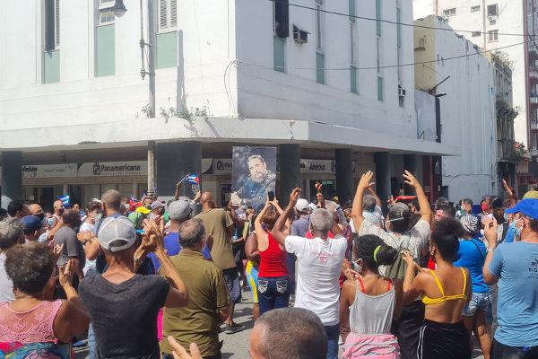 Protestos em Havana, capital de Cuba, no dia 11 de julho